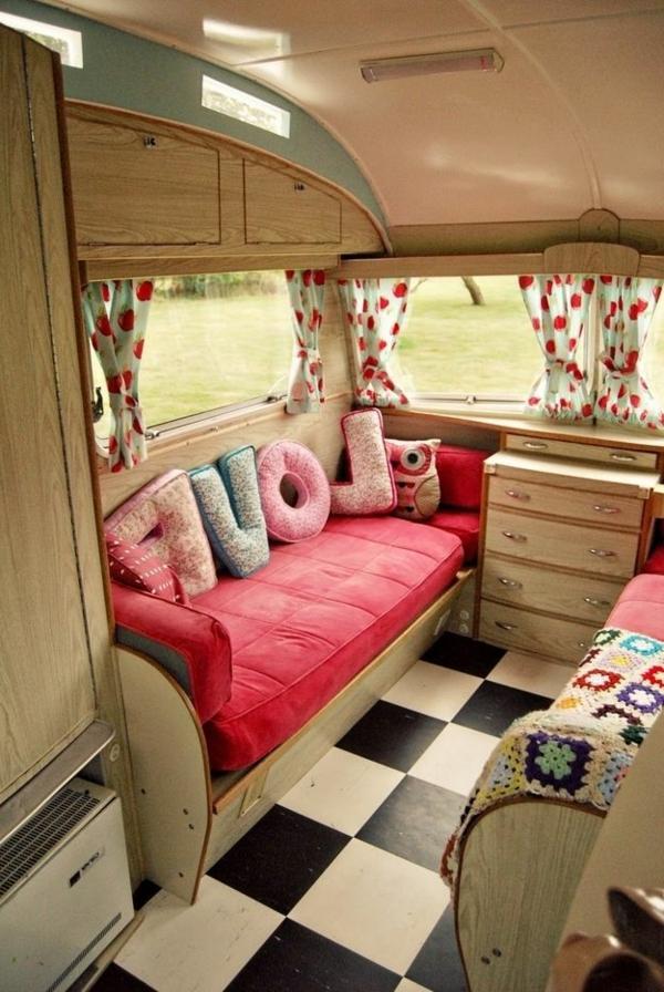 1-fourgon-aménagé-camping-car-commode