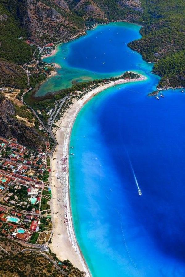 1-les-plus-belles-plages-du-monde-barque-mer