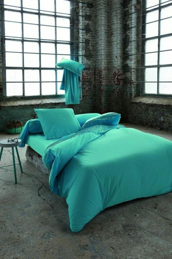 parure de lit bleu turquoise perfect inspiration pour une parure de lit with parure de lit bleu. Black Bedroom Furniture Sets. Home Design Ideas
