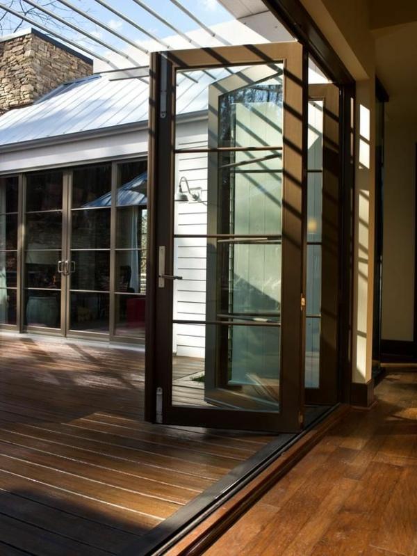 1-porte-vitrée-maison-bois-marron