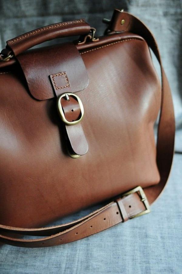 1-sac-bandoulière-en-cuir