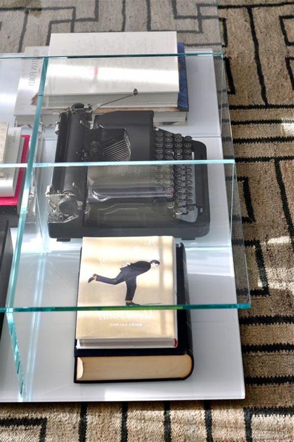 1-salon-avec-table-basse-en-verre-moderne