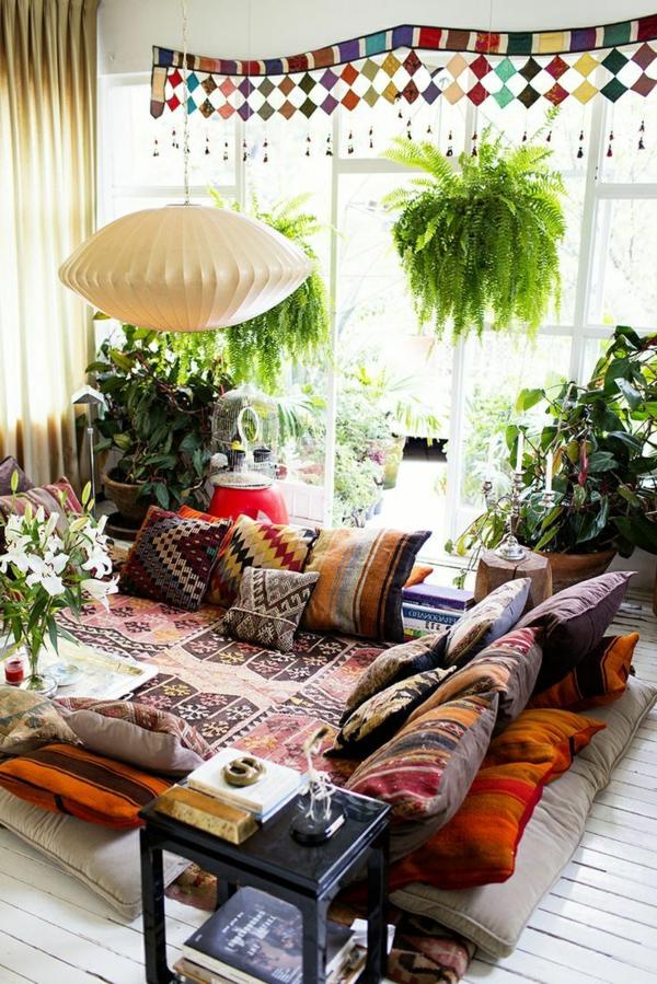1-salon-beau-confortable-coussins-colorées