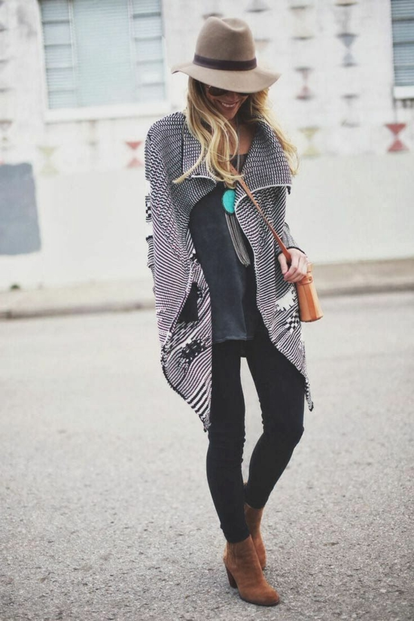 1-style-gothique-femme-rue-chapeau-marron