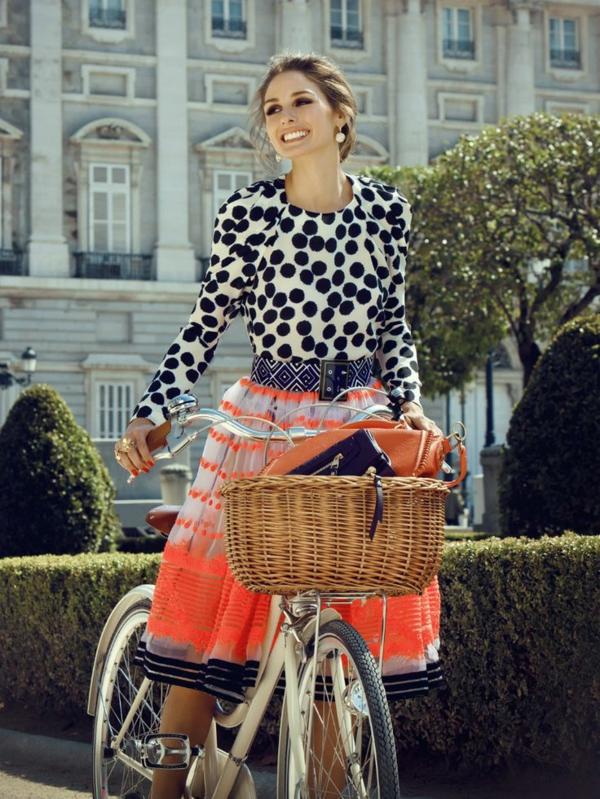 2-Etre-sportive-vêtement-cycliste-robe-points-tenue-resized