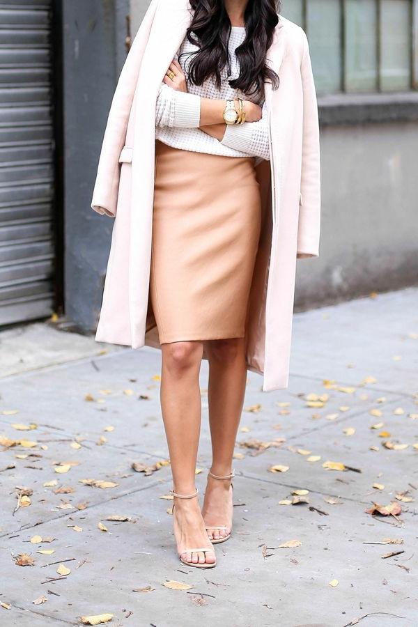 2-Jupe-cuir-vetements-jolies-style-cheveux-pull-sandales-automne