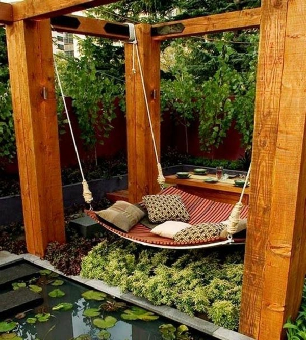 3-La-balançoire-de-jardin-swinguer-dehors