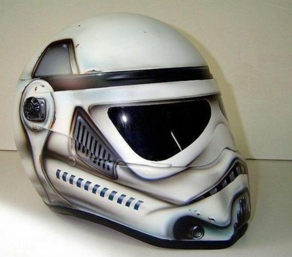 4-Casque-de-moto-original-stormstrooper-resized