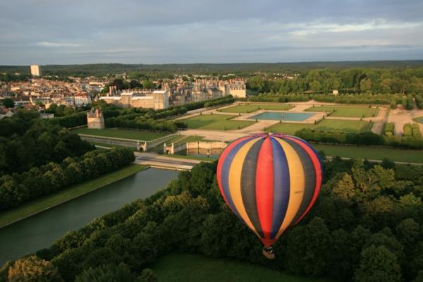 4-chateau-de-Fontainebleau-près-de-Paris-ballon-resized