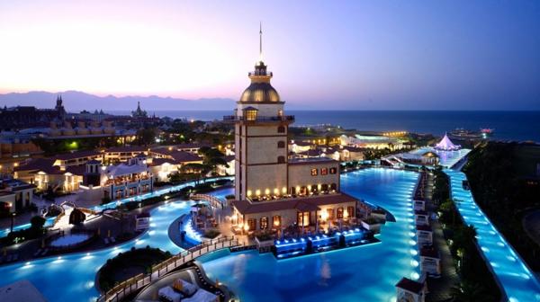 Antalya-Turquie-des-vacances-de-merveille-vue-centre-historique