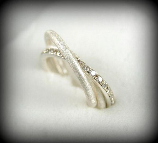 Bague-trois-anneaux-jolie-mariée