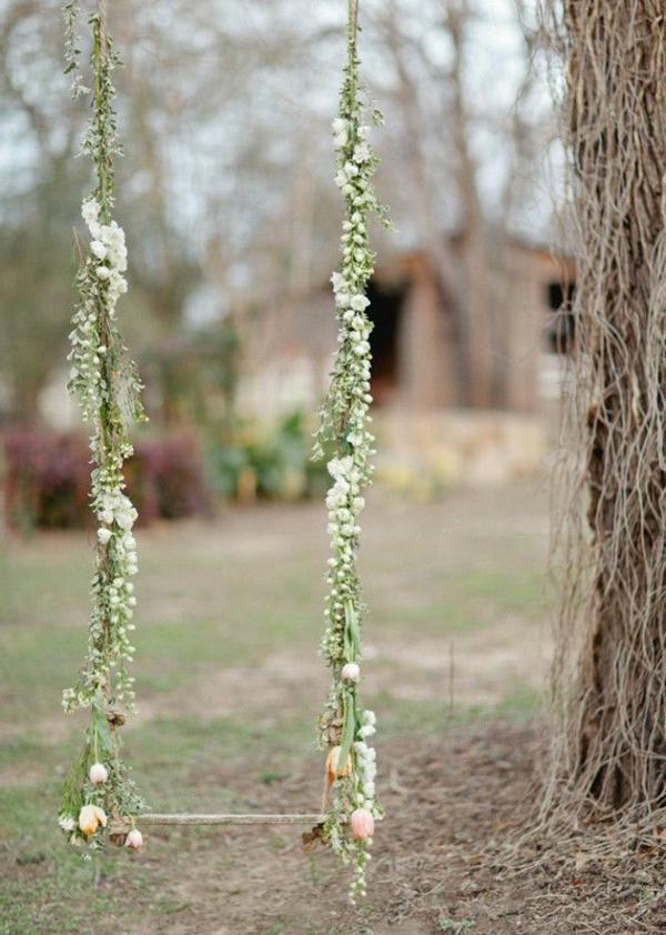 Balançoire-se-balancer-dans-le-jardin-mariage-photos-fleurs
