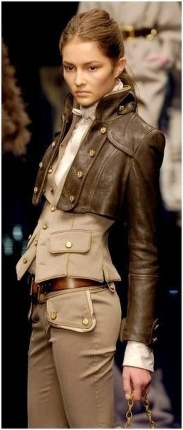 Blazer-en-cuir-tenue-spéciale-élegante