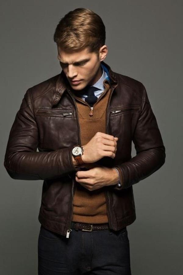 Blazer-en-cuir-tenue-spéciale-homme-élégant