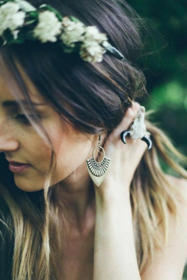 Boucles-d-oreilles-originales-idees-creatives-jolie-fille-boho-courone-de-fleurs