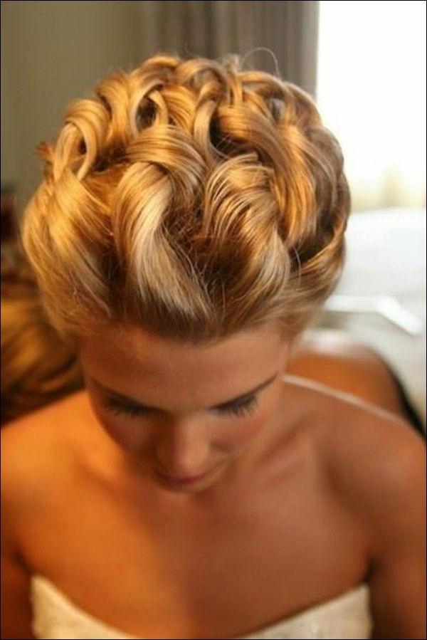 Coiffure-cheveux-longs-belle-la-mariée