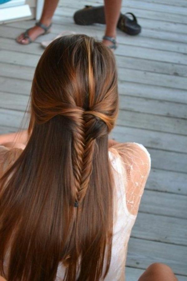 Coiffure-cheveux-longs-femme-belle-droit-chevelure-tresse-dutch