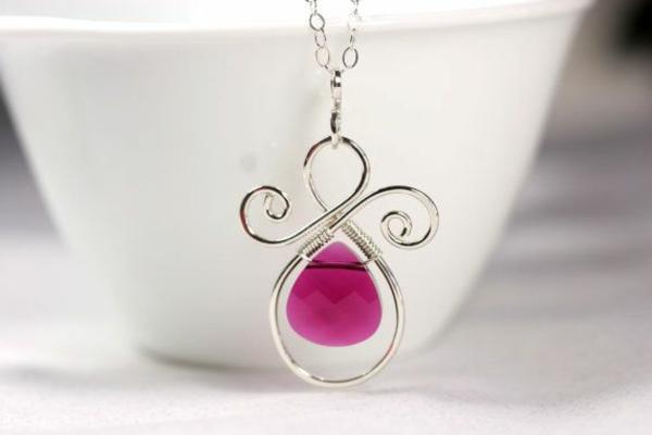 Collier-Swarovski-accessoire-jolie-rose-faire-soi-meme