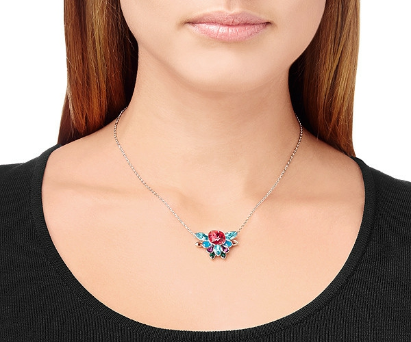 Collier-Swarovski-accessoire-jolie-simple-nouvelle-collection