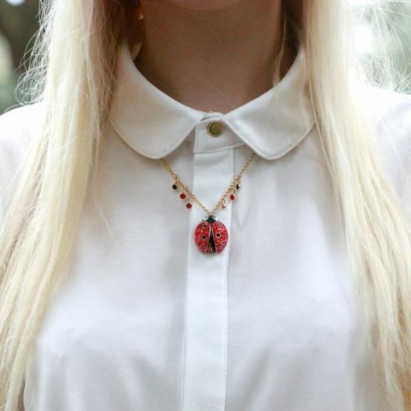 Collier-coccinelle-Swarovski-accessoire-jolie-pierre-precieux-rouge