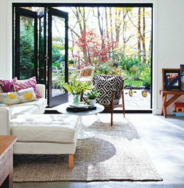 Confortable-sofa-grande-en-angle-balcon-porte-fenetre