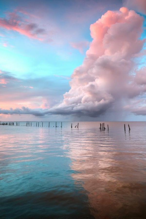 Couche-de-soleil-sur-la-mer-paysage-jolie