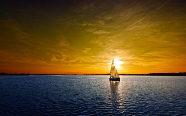 Coucher-de-soleil-sur-la-mer-bateau