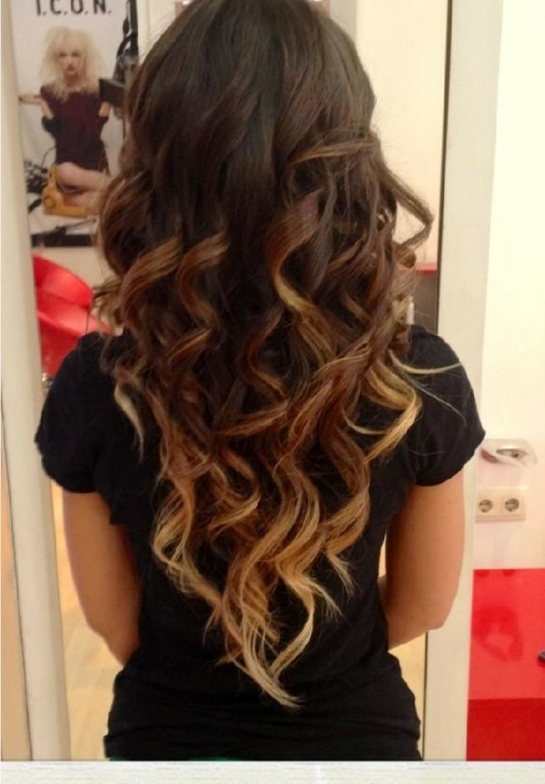Cute-Hairstyles-for-Long-Hair-Dark-Brown-to-Light-Brown-To-Blonde-Ombre