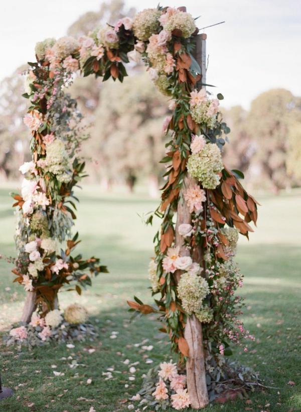 Décoration-florale-mariage-heureux-champetre