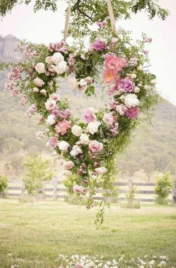 Décoration-florale-mariage-heureux-coeur