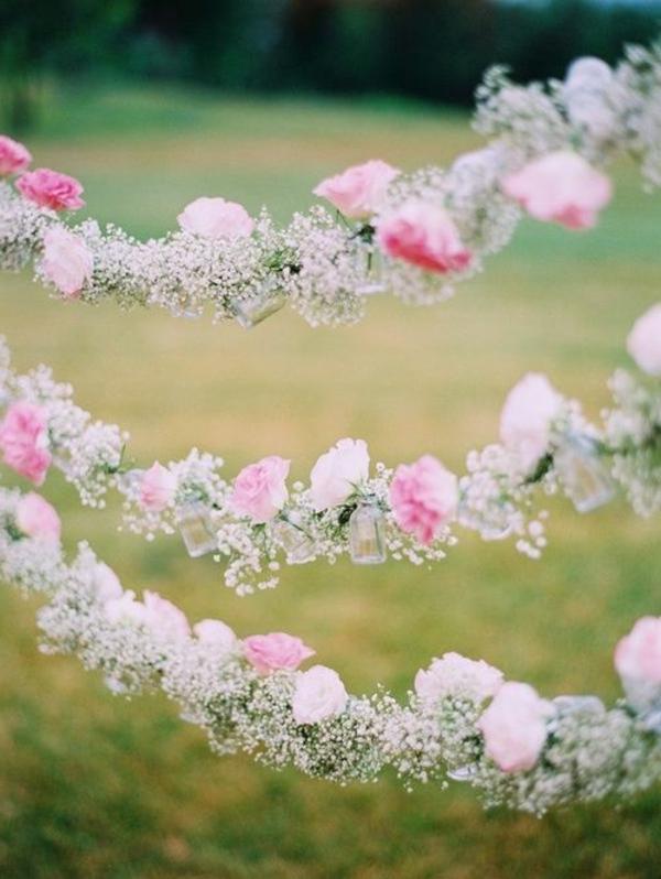 Décoration-florale-mariage-heureux-guirlande-de-fleur