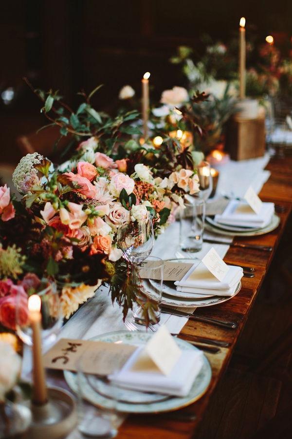 Décoration-florale-mariage-heureux-table-ceremonie