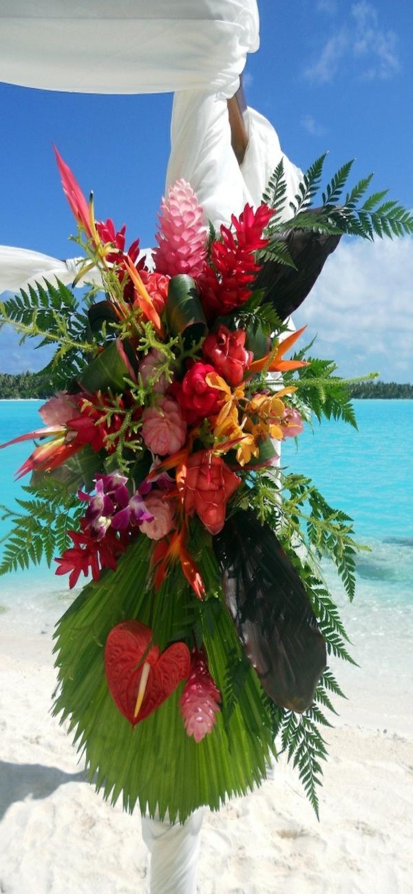 Décoration-florale-originale- mariée-cérémonie-au-bord-de-la-mer