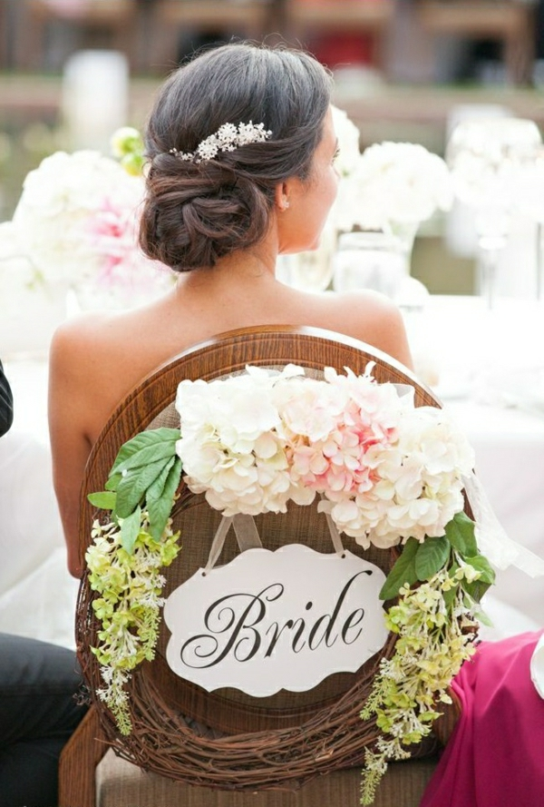 Décoration-florale-originale- mariée-cérémonie cheveux-la-mariée