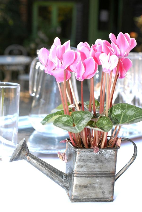 Deco-florale-marriage-fleurs-fraiches-jardin
