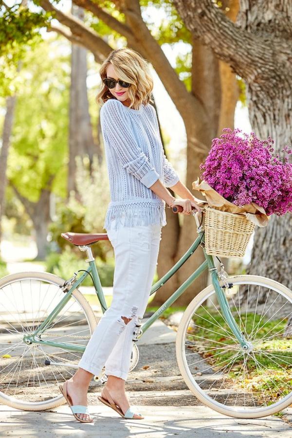 Etre-sportive-vêtement-cycliste-tenue-fleurs-soleil-resized