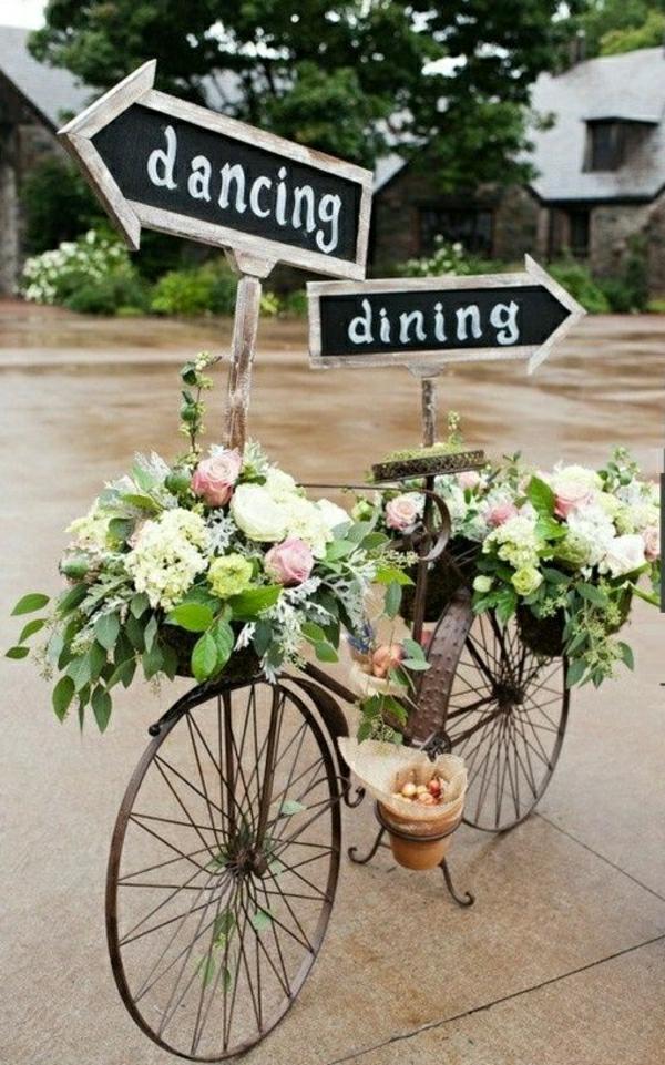 Fleur-mariage-composition-jolie-bicyclette-vintage