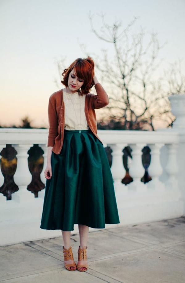 Fringues-à-la-mode-inspirée-par-le-swing-vintage-tenue-du-gour