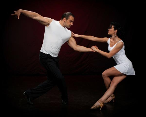Fringues-moderne-au-style-vintage-swing-danse