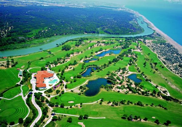Haute-temperature-Antalya-Turquie-beau-temps-golf-club
