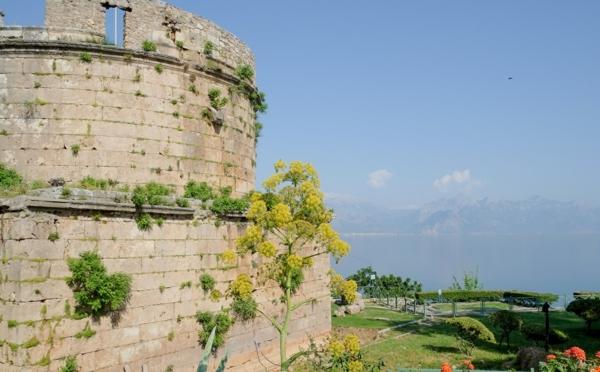 Haute-temperature-Antalya-Turquie-beau-temps-patrimoine