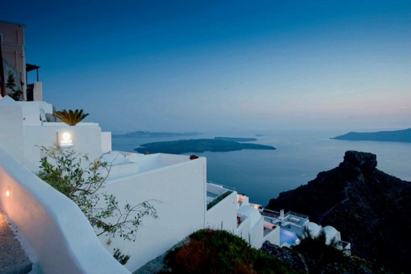 Hotel-in-Santorini-mit-schöner-Meersicht1-resized