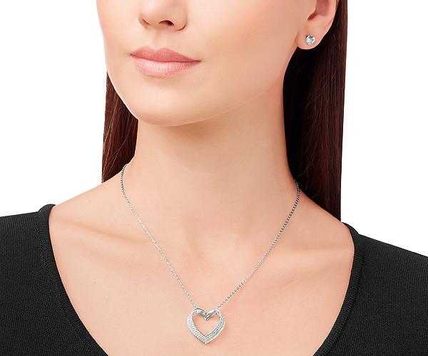 Idée-cadeau-original-Swarovski-collier-coeur