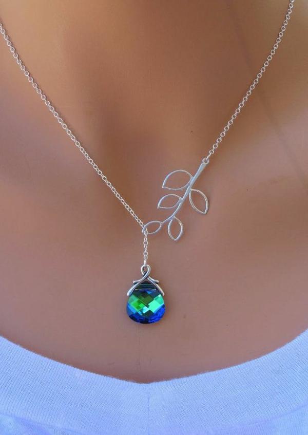 Idée-cadeau-original-Swarovski-collier-simple-et-jolie
