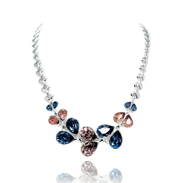 Idée-cadeau-original-collier-avec-des-elements-de-swarovski
