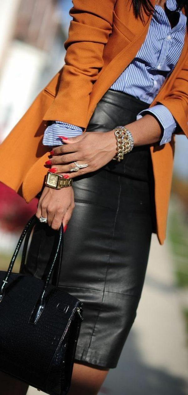 Jupe-en-simili-cuir-s-habiller-bien-classe
