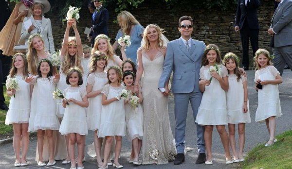 Kate-Moss-mariage-dans-un-jardin-anglais-article
