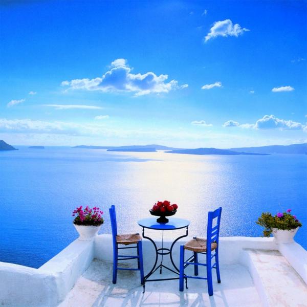L'ile-de-Santorin-vacances-merveilleuses-table-pour-deux