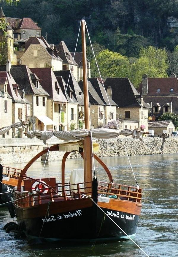 La-Roque-Gageac-Dordogne-Aquitaine-France