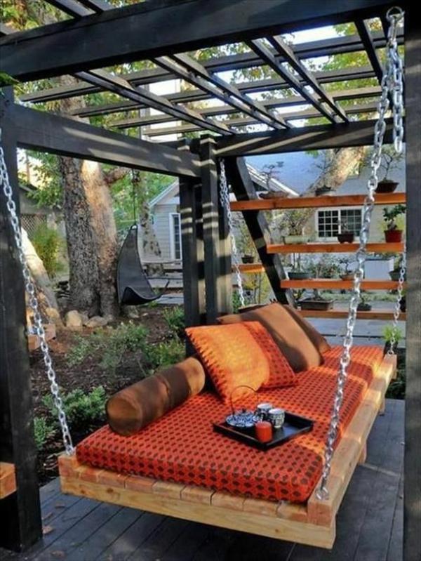 La-balançoire-de-jardin-swinguer-dehors